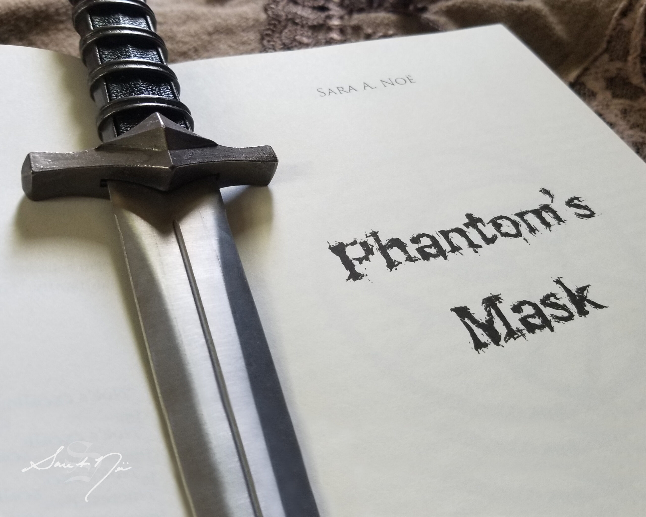 Phantom's Mask Sara A. Noe Chronicles of Avilesor War of the Realms